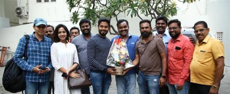 Actor Aari celebrates his birthday differently in Aleka shooting spot