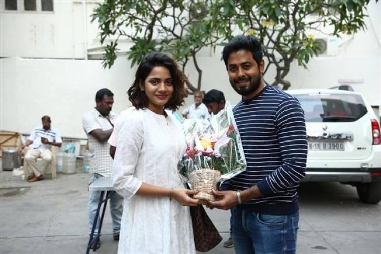 Actor Aari celebrates an 'Organic' Birthday at ALEKA shooting spot