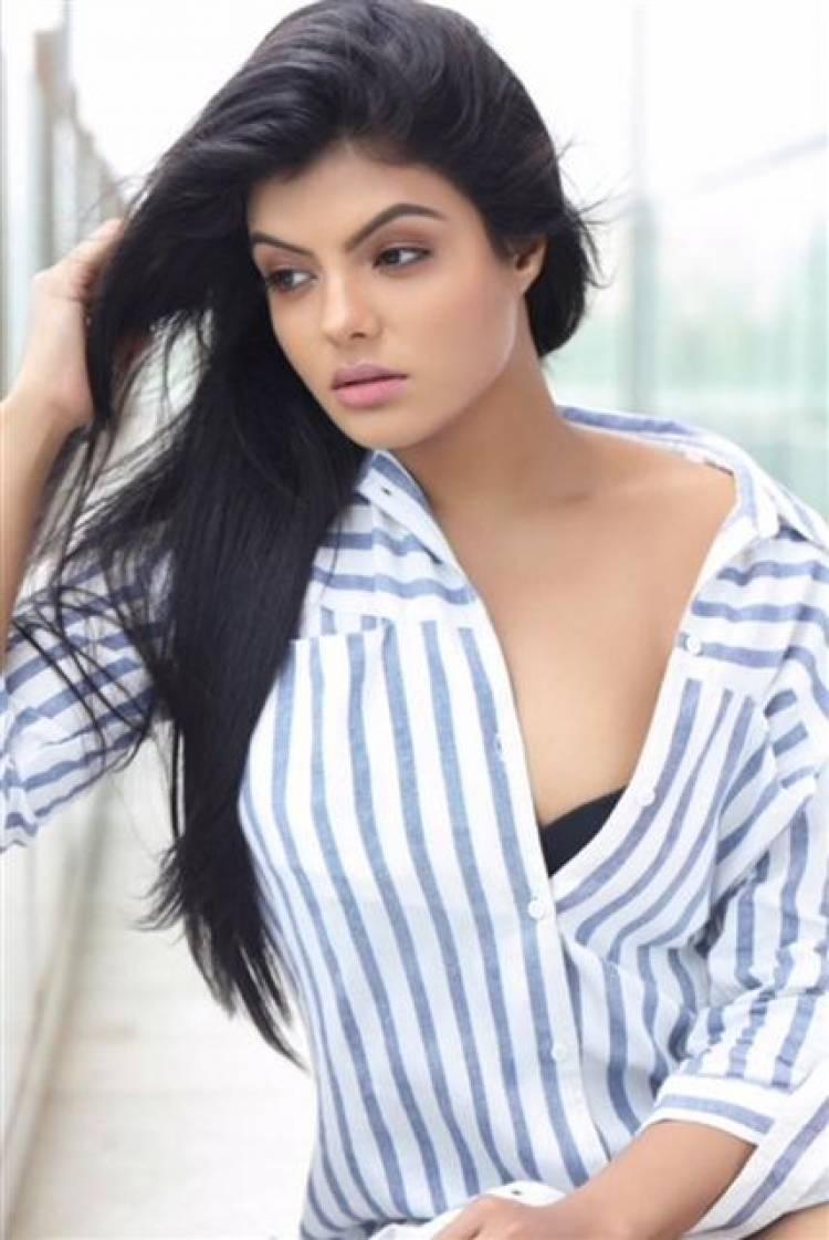 Actress Tejashree Stills