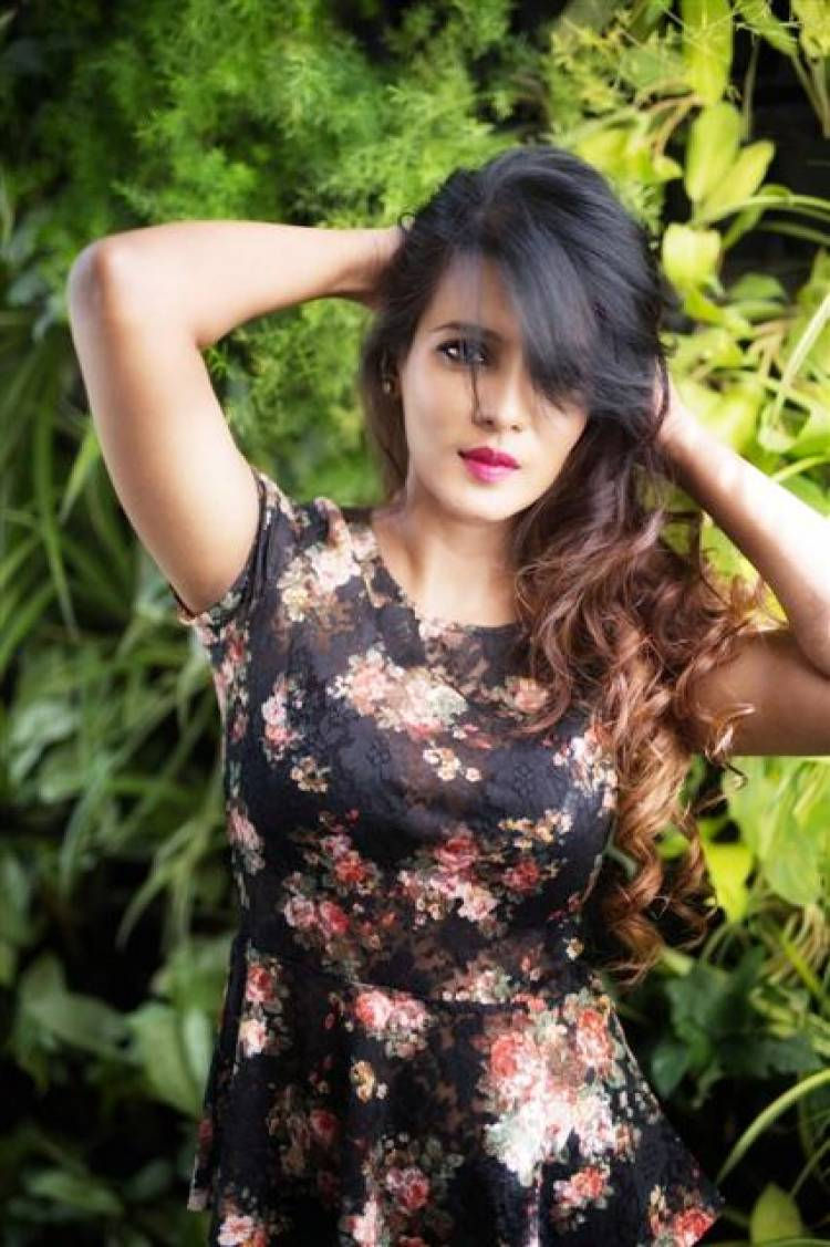 Glamorous and gorgeous Meera Mitun latest stills