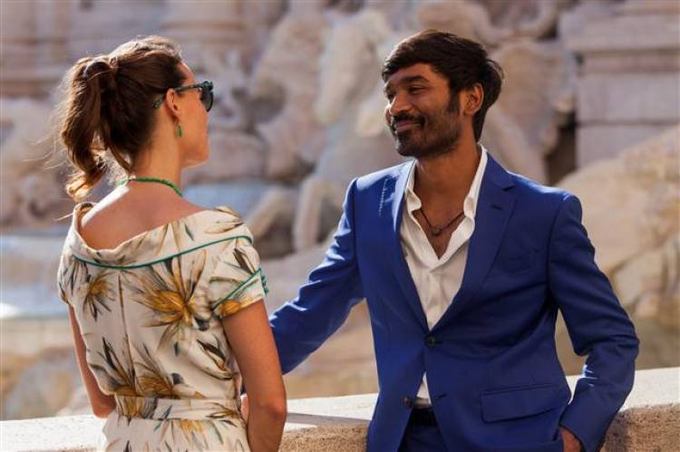 Pakkiri Tamil Movie - Dhanush Stills