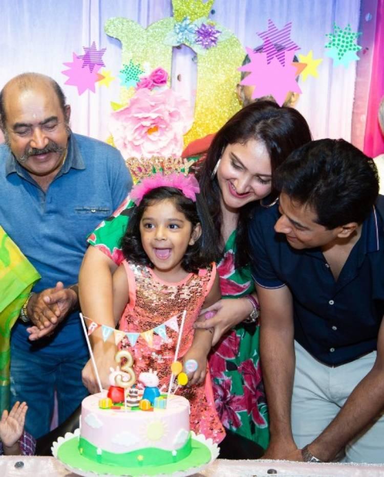 Actor Vijayakumar's Grand Daughter Birthday Celebration