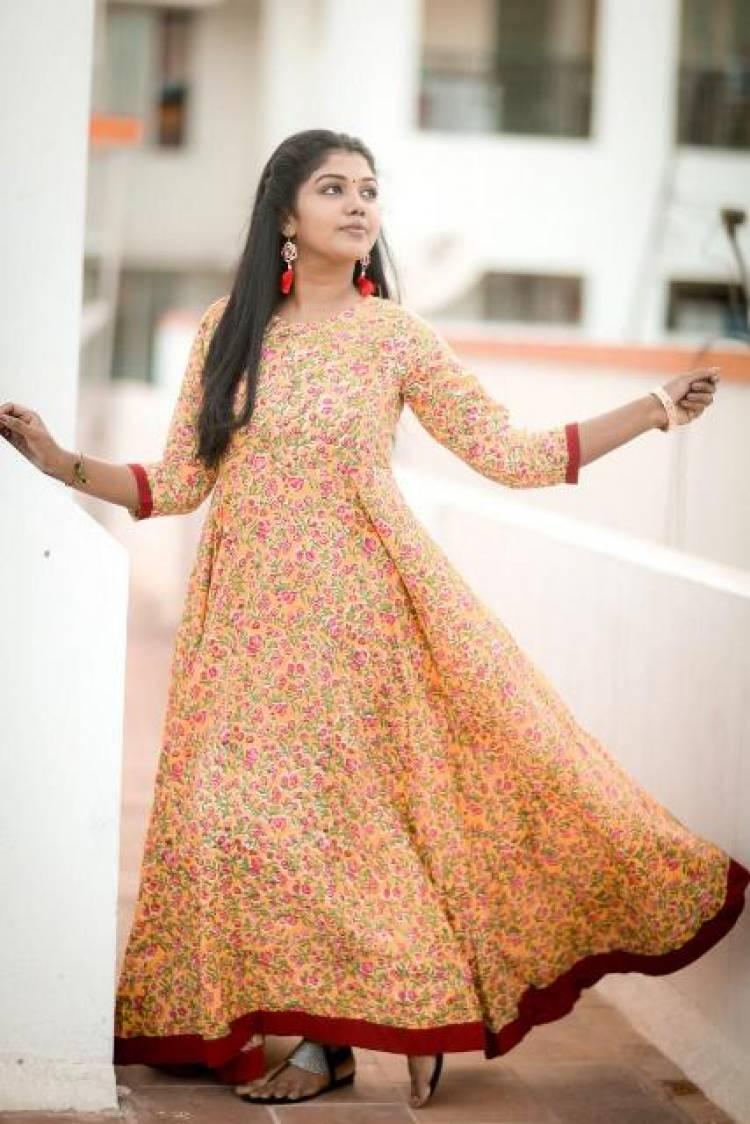 Actress Riythvika Latest Stills