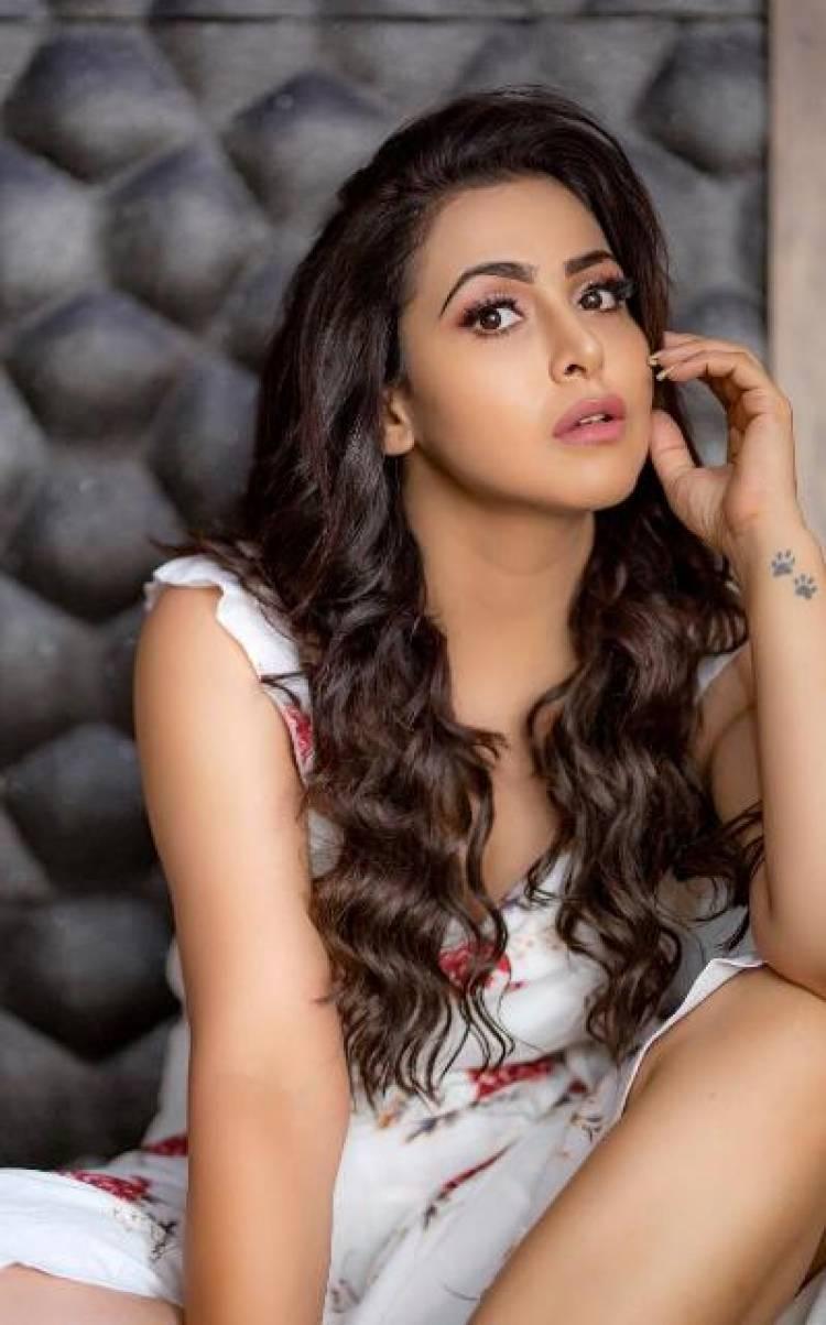 Actress Nandini Rai Latest Stills