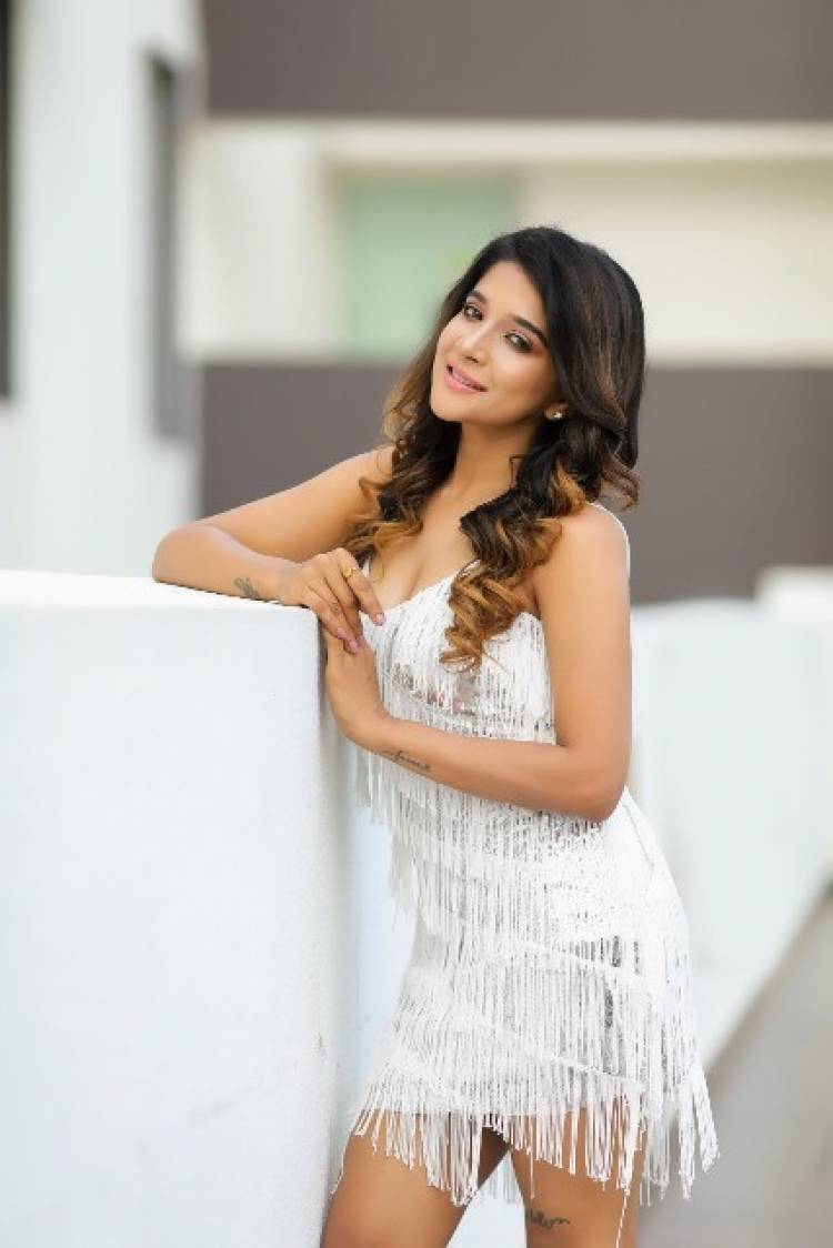 Actress SakshiAgarwal Latest Pictures