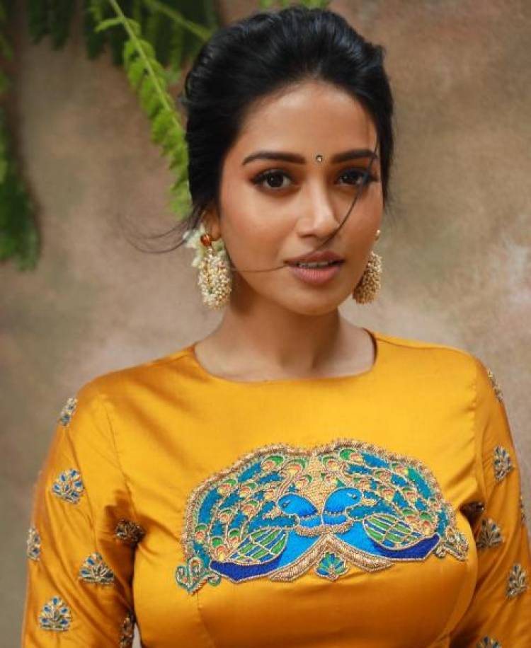 Actress NivethaPethuraj Latest Stills