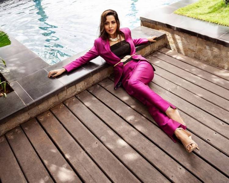 Actress Raiza Wilson Photoshoot Stills