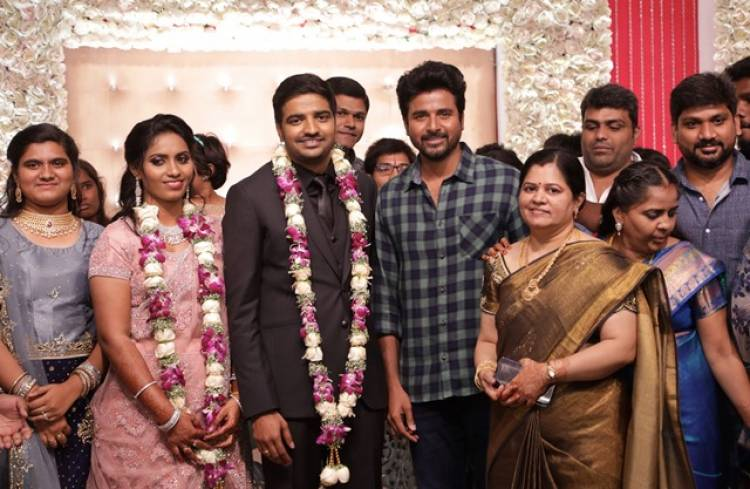 Actor Sathish - Sindhu Wedding Reception Stills