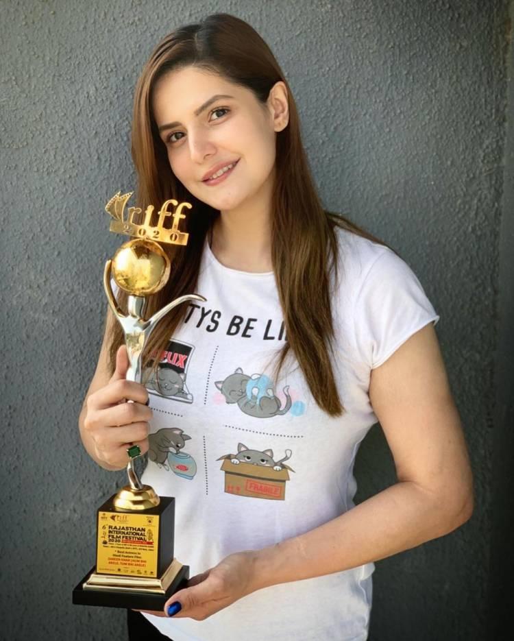Zareen Khan won BEST ACTRESS AWARD for Hum Bhi Akele, Tum bhi Akele at the Rajasthan International Film Festival