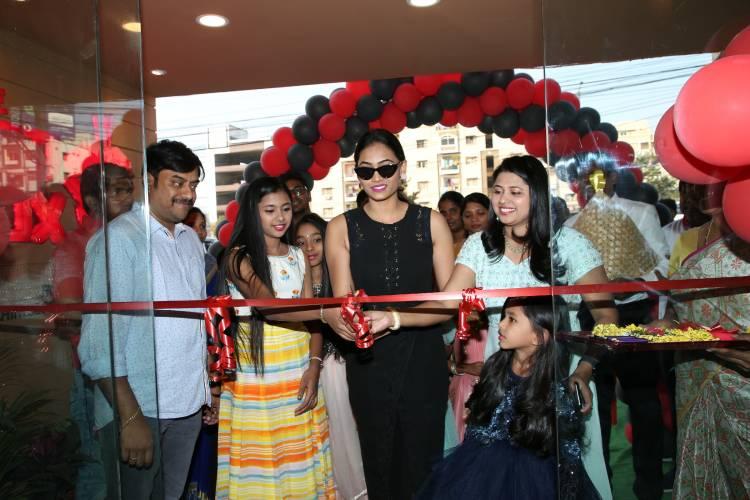 Actress Spandana Palli Inaugurates The Red Box Indo Chinese food Takeaway