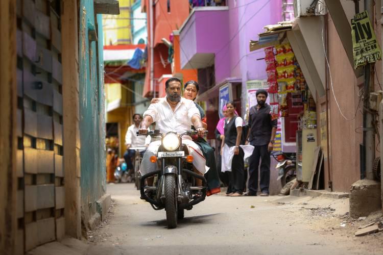 Vaanam Kottatum movie Stills