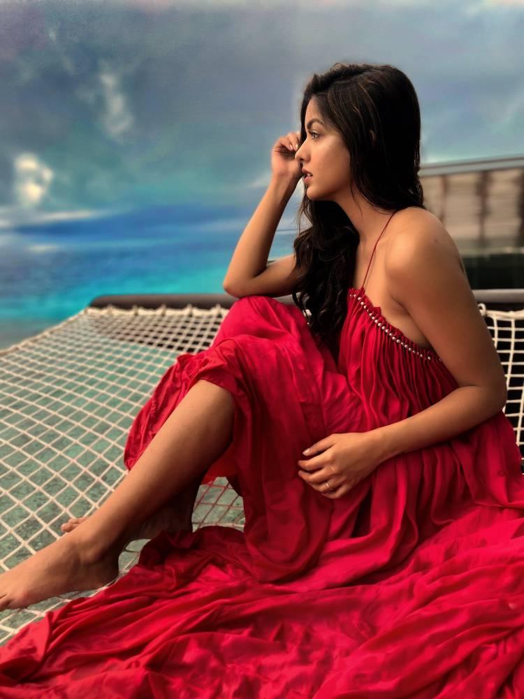 Bepanah Pyaar Actress Ishita Dutta is slaying in Suman and Khyati Nathwani Label