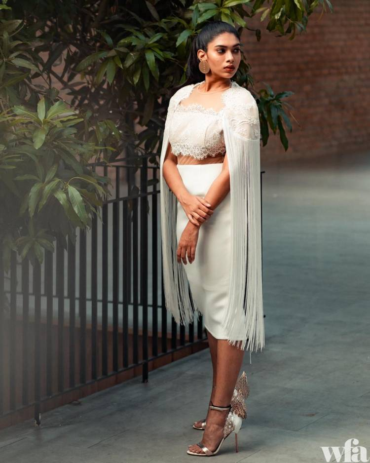 Alluring Latest photoshoot pictures of Dushara