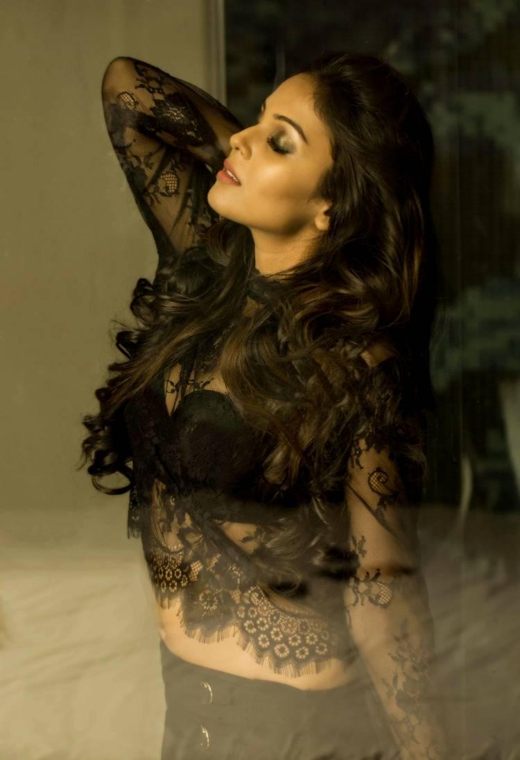 Actress Chandini Tamilarasan looking Gorgeous in Black dress