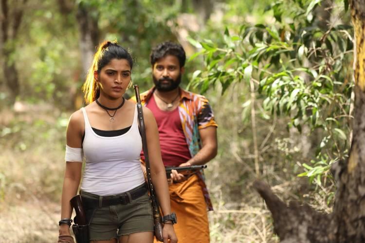 """Pallu Padama Pathuka"" Cast & Crew Details"