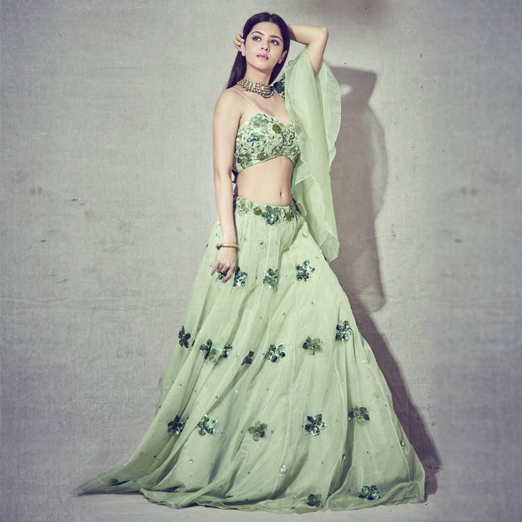 Glorious in green! Pretty Actress Vedhika strikes some really classy poses in this beautiful green outfit!
