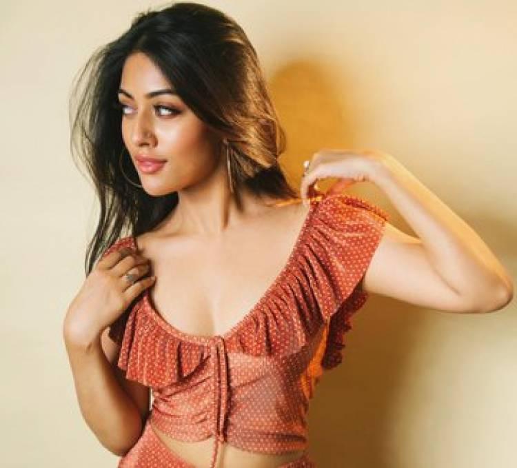 Actress AnuEmmanuel Mesmerising in Orange
