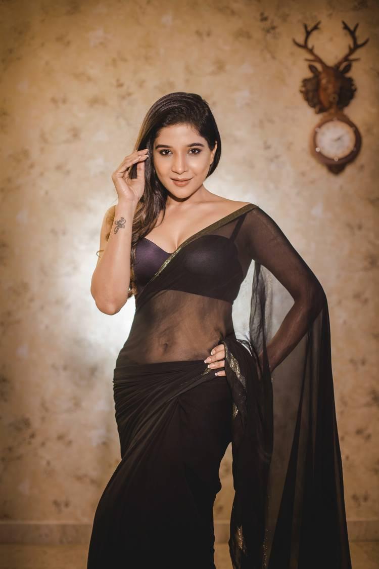 Actress Sakshi Agarwal looking gorgeous in black attire