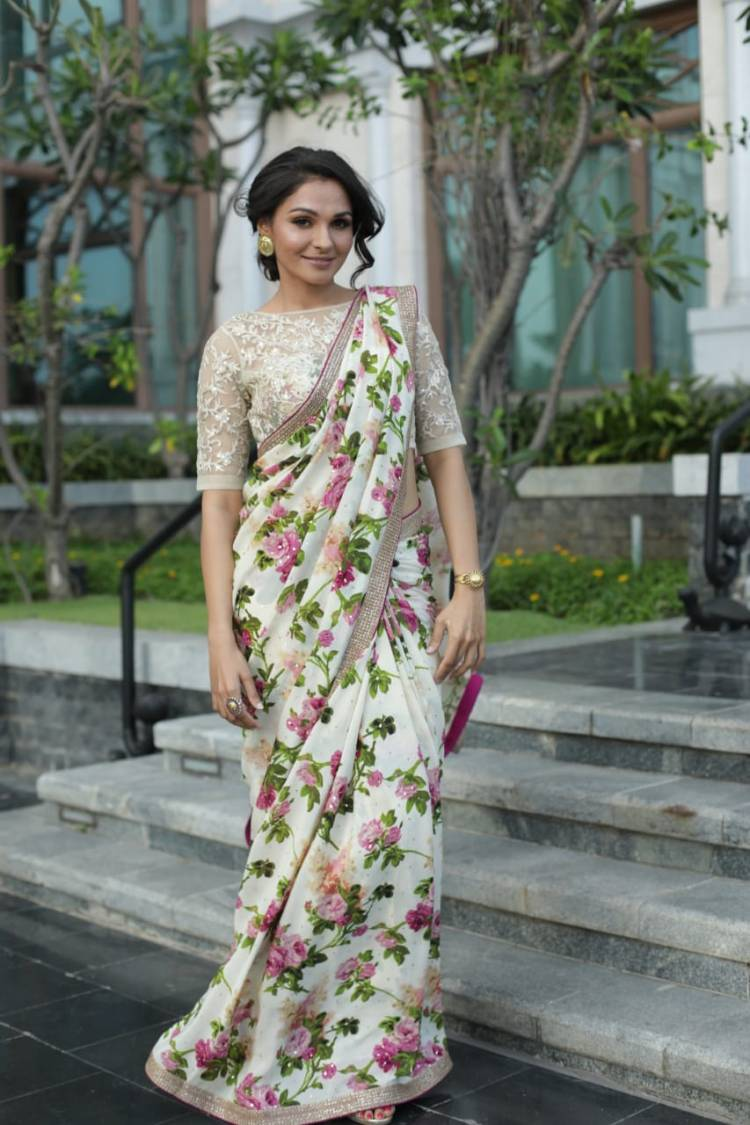 Actress AndreaJeremiah looks absolutely stunning in this floral saree!