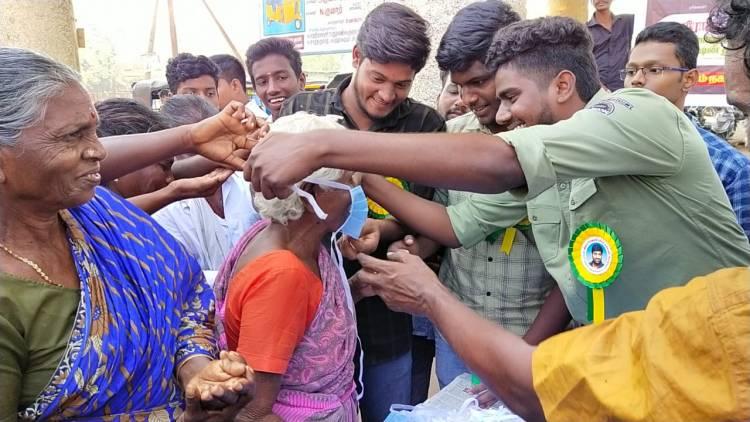 கொரோனா விழிப்புணர்வு பணியில் விஜய் சேதுபதி ரசிகர் நற்பணி இயக்கம்!