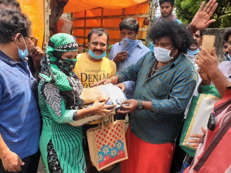 Actor YogiBabu donates 1250 kg of Rice