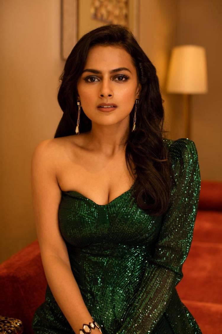 Dashing Actress Shraddha Kapoor photoshoot