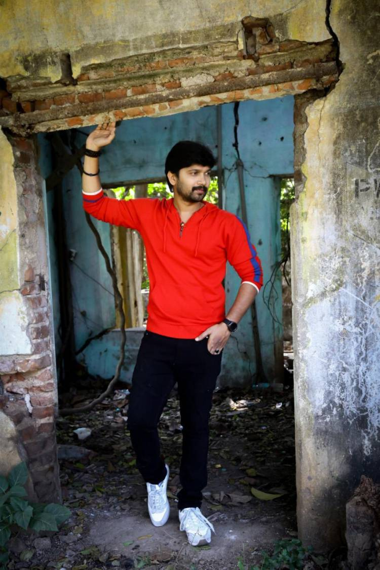 Actor AbiSaravanan latest stills