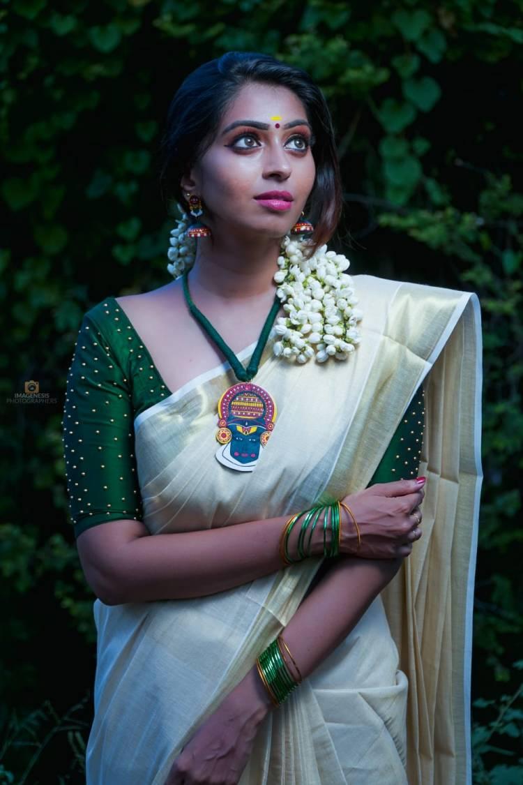 Gorgeous Actress Kuhasini Onam photoshoot