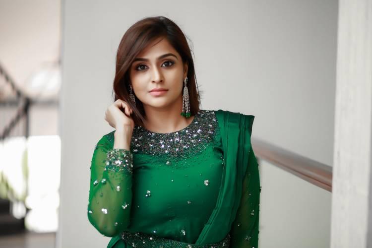 Actress Ramya Nambeesan looks gorgeous in green attire