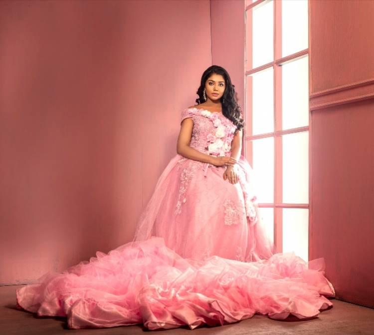 Actress Riythvika Photoshoot Stills