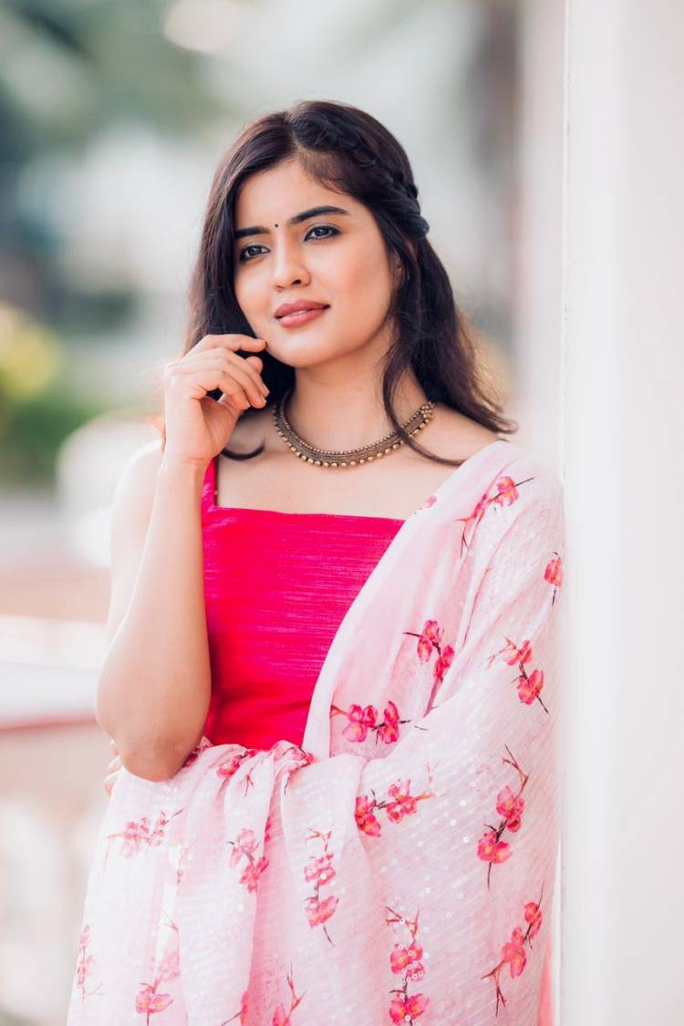 Actress #AmrithaAiyer looks absolutely gorgeous