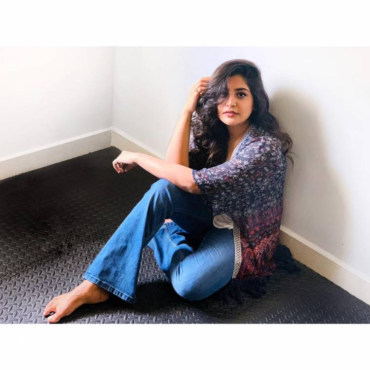 @mohan_manjima looking beautiful in her casual photoshoot