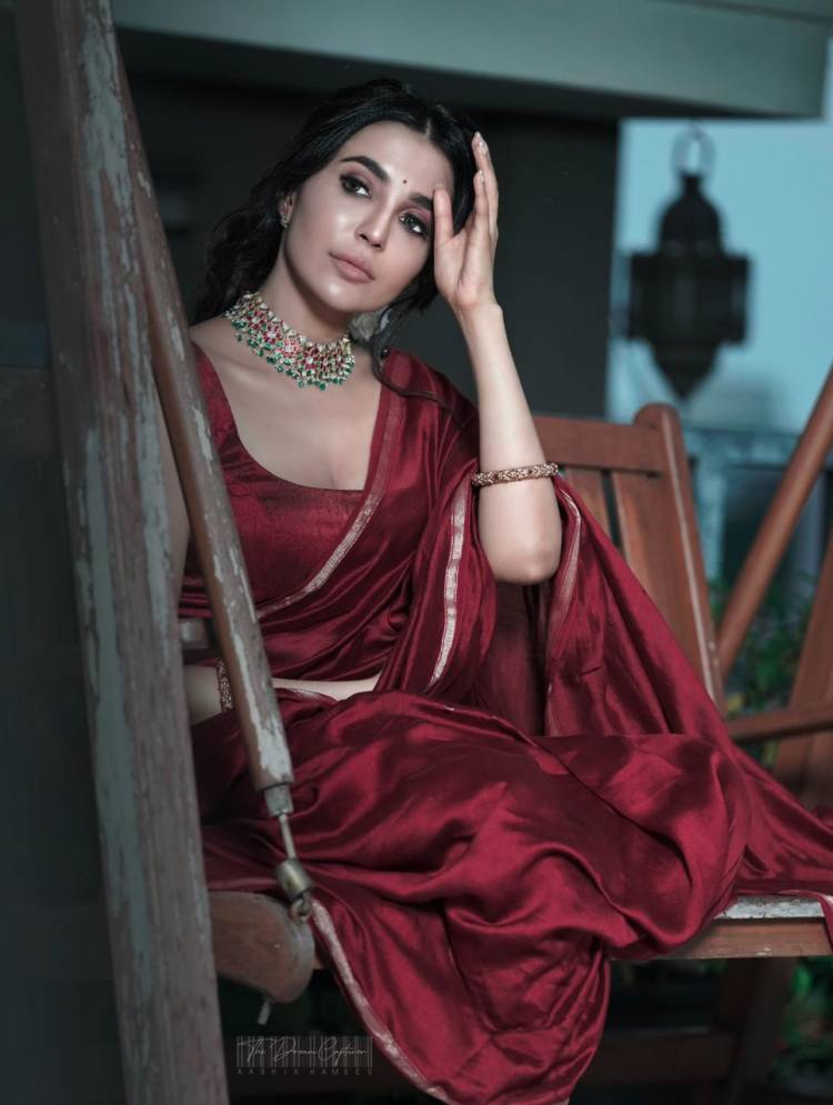 Actress #Parvati looks stunning in these lovely pictures from her latest photoshoot.
