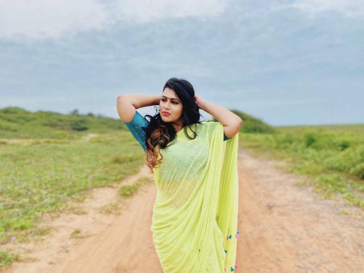 Charming pictures from Actress #Champika latest photoshoot!