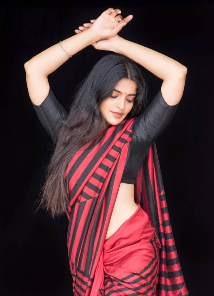 Ravishing in red! Actress #SanchitaShetty strikes a series of stunning poses in these pictures from her latest photoshoot.