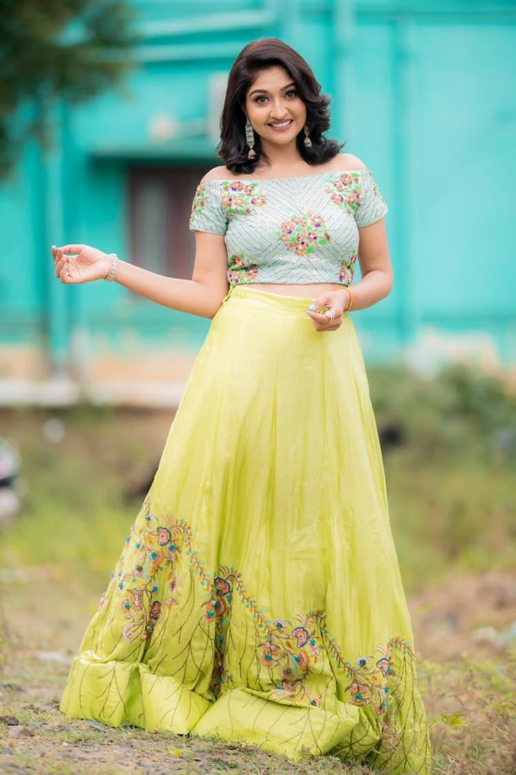 Actress #NeelimaEsai looks adorable & pretty from her recent photoshoot.
