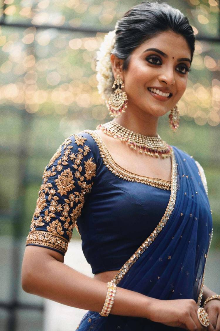 Actress #NivedithaaSathish loaded with prettiness and charming in these traditional look from her most recent photoshoot