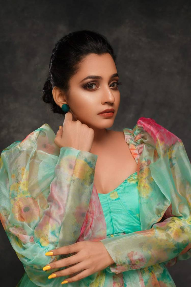 Dazzling Stills Of Actress #Abarnathi In Her Latest Photoshoot In An Ebullient Look & Stunning Attire.