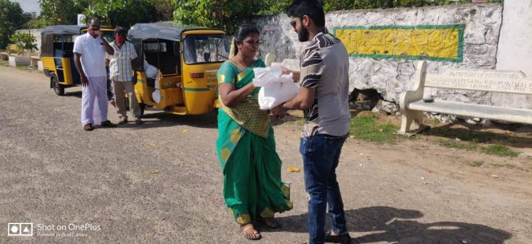 On the Occasion of Celebrating #Diwali @actor_shirish has distributed essential items to Needy people and auto drivers in his area