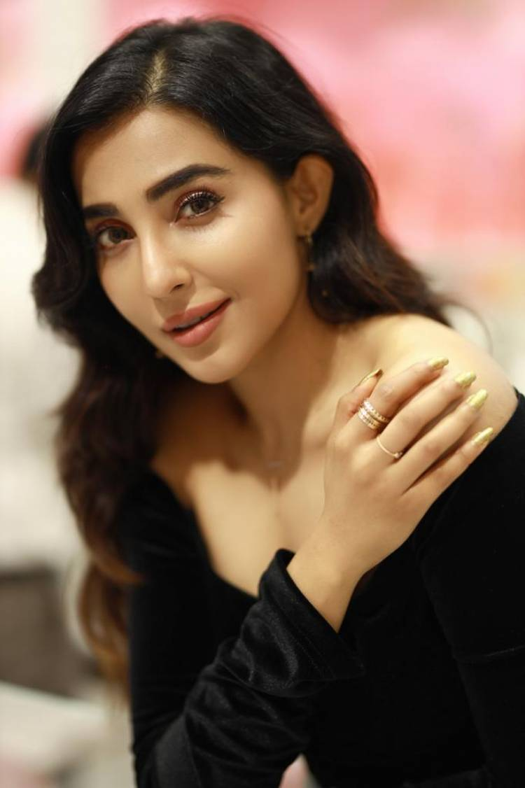 Actress #Parvati launches Mia by Tanishq, a showroom with extensive collections for youngsters at Chennai.