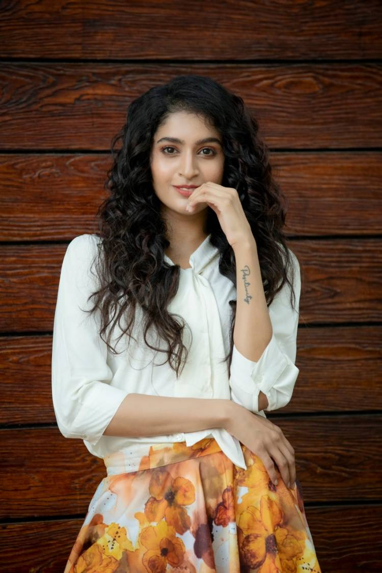 New Photoshoot Stills of Actress #TanyaRavichandran