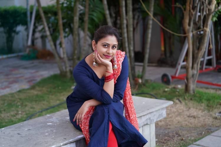 டைரக்டர் சுசீந்திரன் அறிமுகப் படுத்திய நடிகை பிரியாலால். தெலுங்கிலும் அறிமுகமாகிறார்.