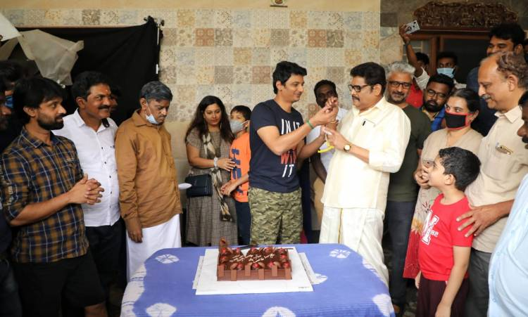 Birthday celebration of @JiivaOfficial from the sets of @SuperGoodFilms_ 's #ProductionNo91