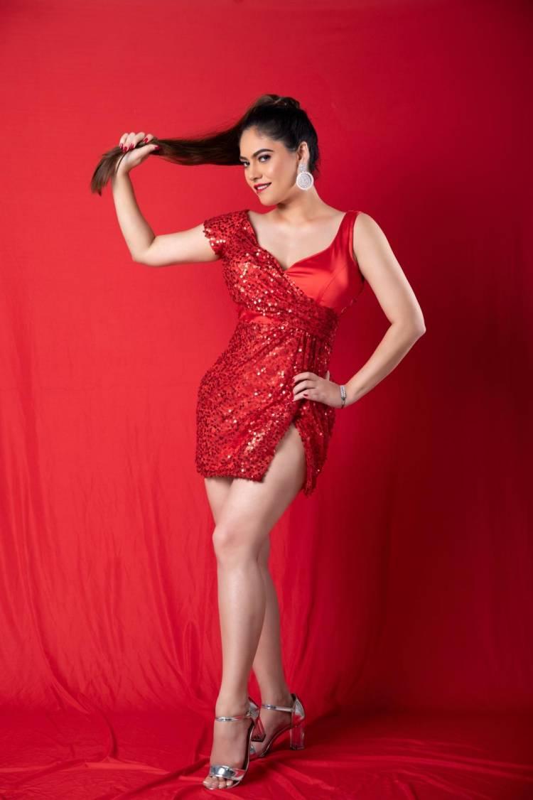 Actress #SherinShringar Ravishing In Red Outfit! Latest pics.