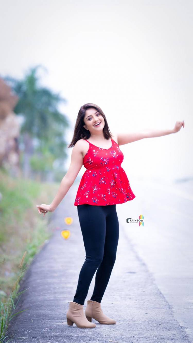 Actress Karunya New photo shoot pics   @Karunya_oficial