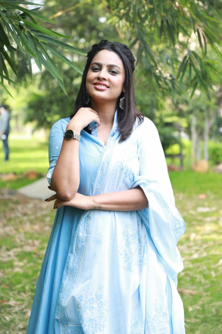 Pretty in blue, #NanditaSwetha is all smiles.