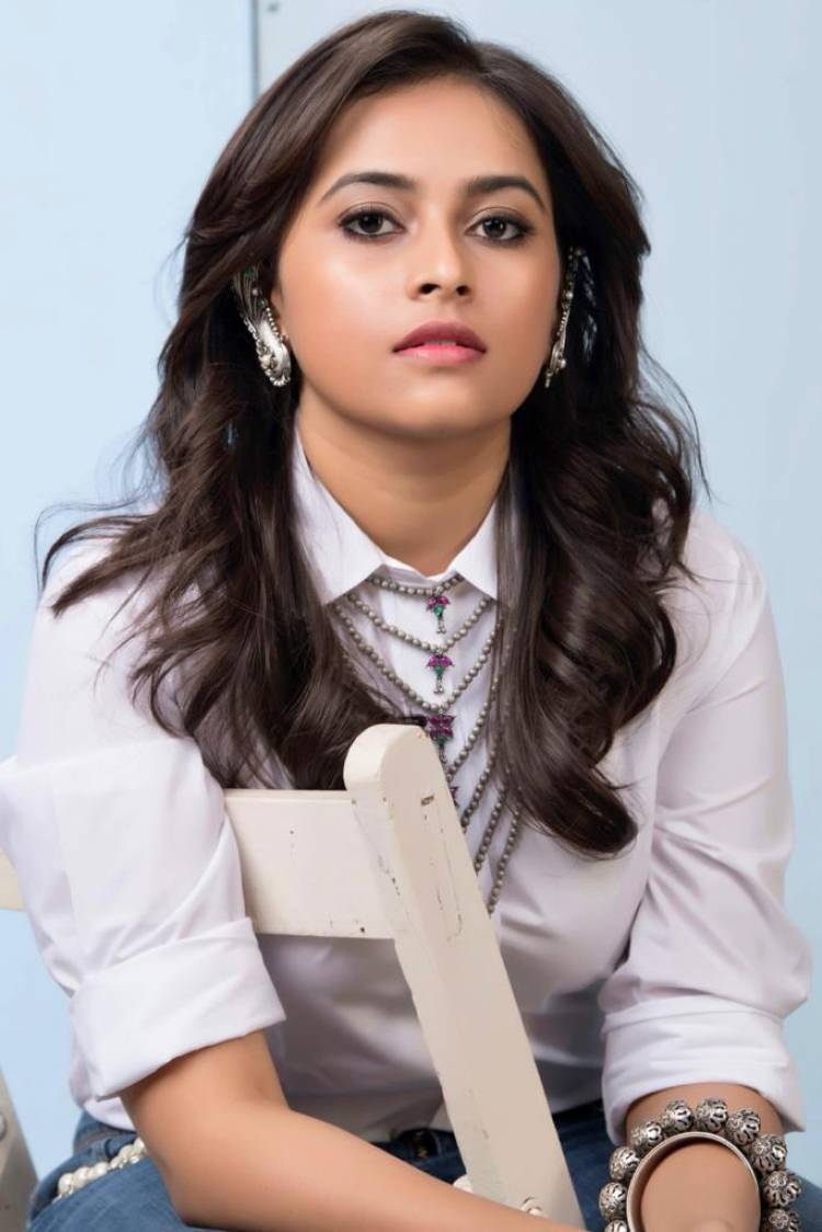 Actress #Sridivya is pairing up with actor Prithviraj in her next and her first Malayalam film titled #JanaGanaMana.