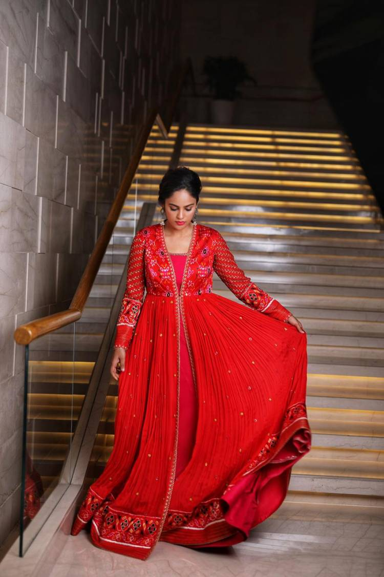 Actress #NanditaSwetha looks dazzling in red.