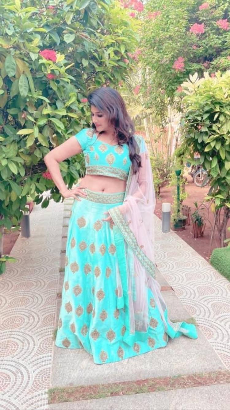 The Astounding Look Of Actress #AnjenaKirti, In A n Eye-Capturing Blue Lehanga!!