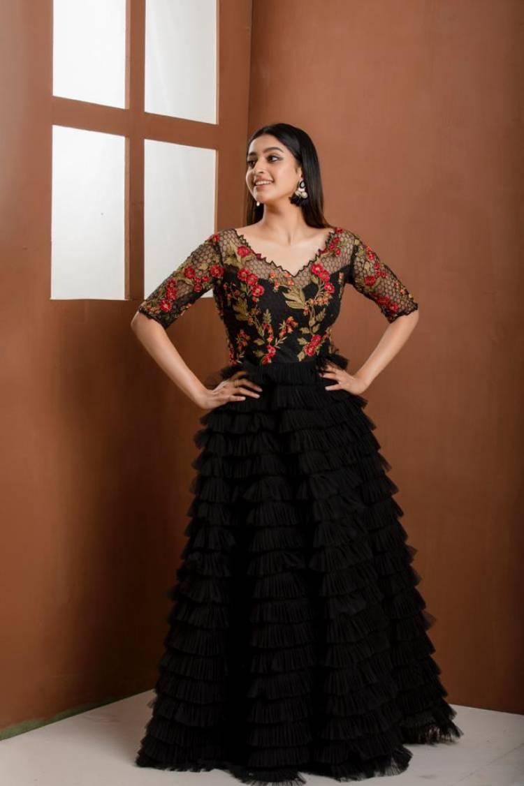 Actress #TanyaRavichandran Recent Photoshoot Pics